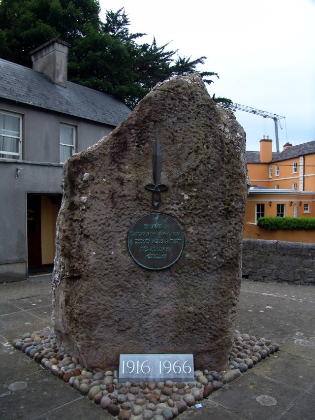 Memorial, Ennis
